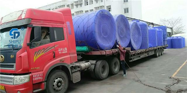 2吨塑料桶  外加剂储罐图片