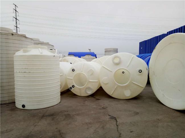 30吨塑料水塔  浓硫酸储罐图片