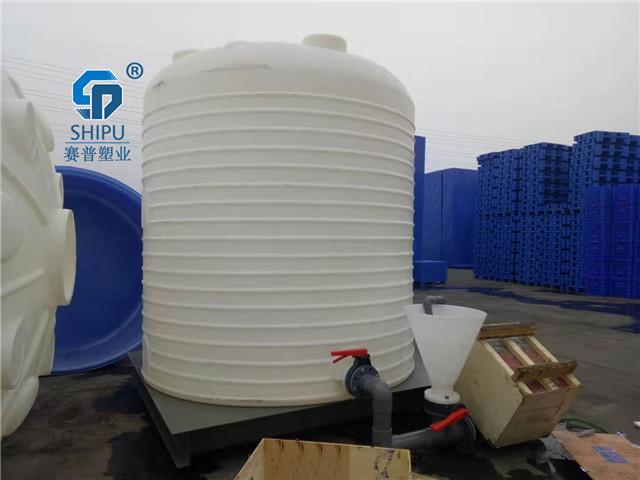 6吨塑料水塔  40吨大型食品级储罐哪里买