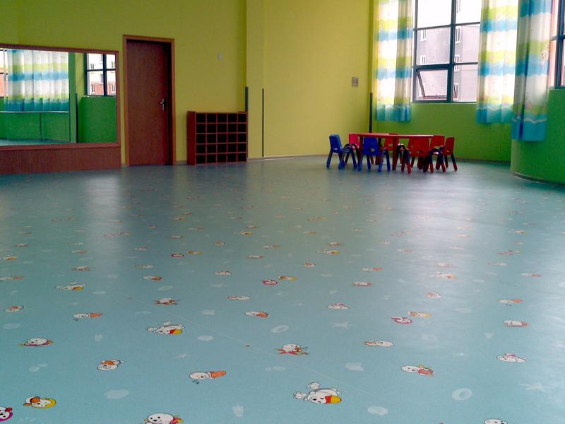 娛樂室耐磨抗菌地板pvc地板膠施工師傅放心省心