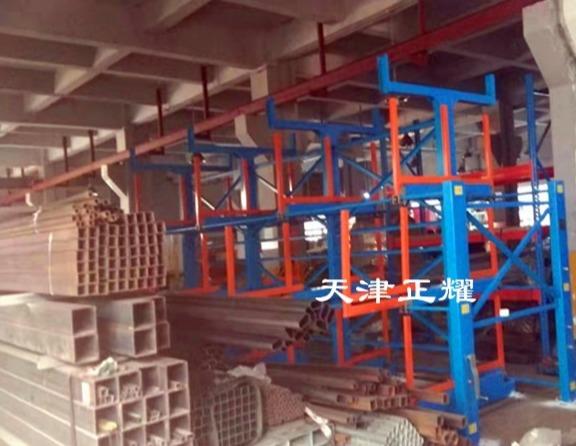 手摇式钢材货架使用后钢材车间效果展示