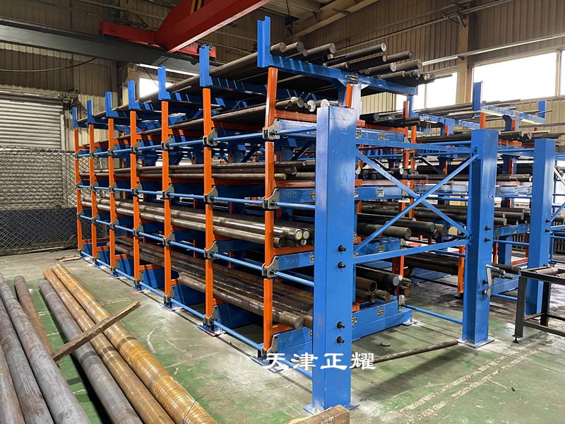 型材上架擺放離不開手搖伸縮懸臂式型材貨架節省方便快捷