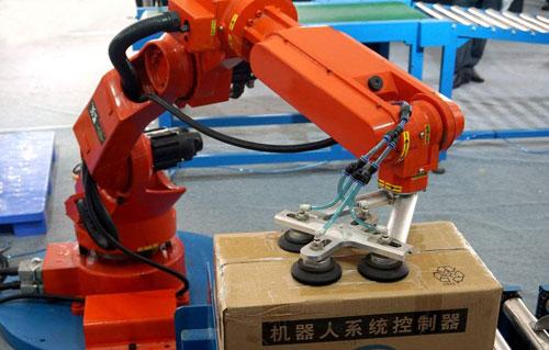 文章1-27-机械手对于塑料机械行业影响深远.jpg